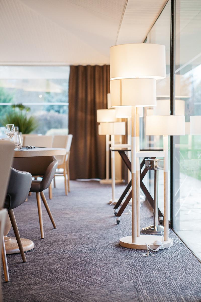 r alisation restaurant le bois de la marche seloma amenagement mobilier de bureau poitiers. Black Bedroom Furniture Sets. Home Design Ideas
